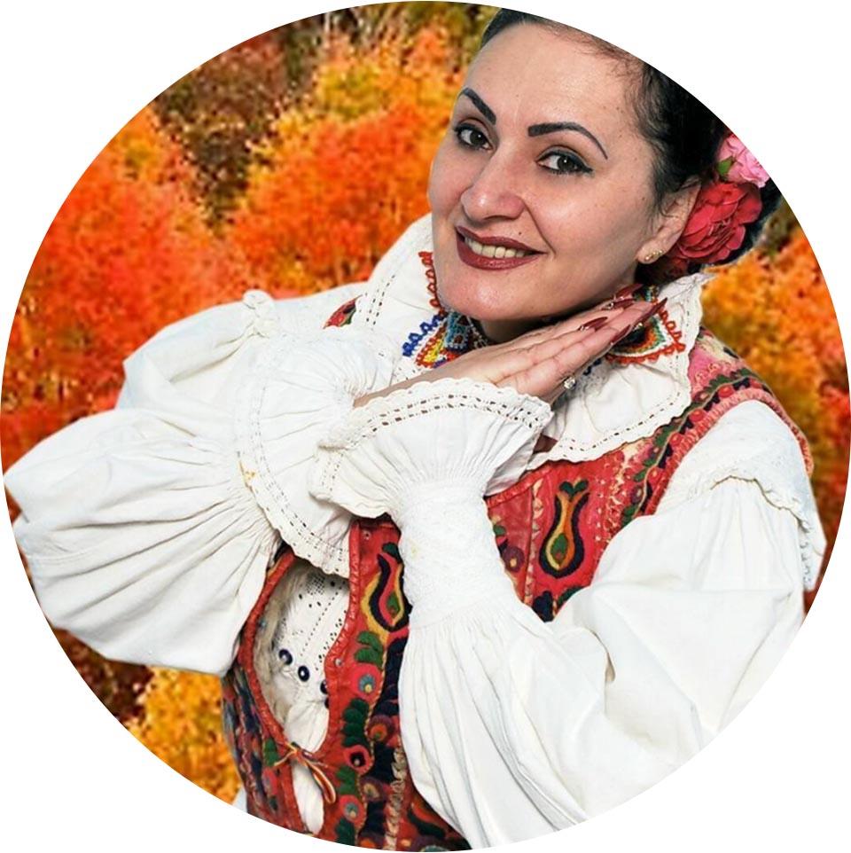 Corina Szatmari & Taraful Zbiciu